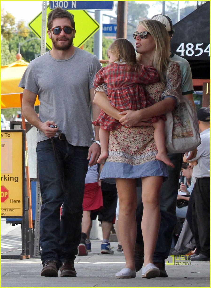 Jake Gyllenhaal: Out to Lunch with Busy Philipps! Jake Gyllenhaal