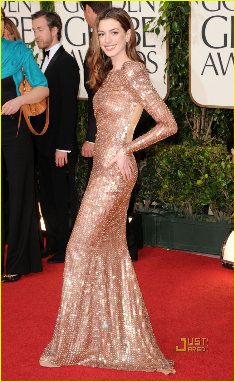 anne hathaway golden globes 2011 03