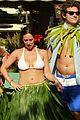 jennifer love hewitt alex beh hula in hawaii 08