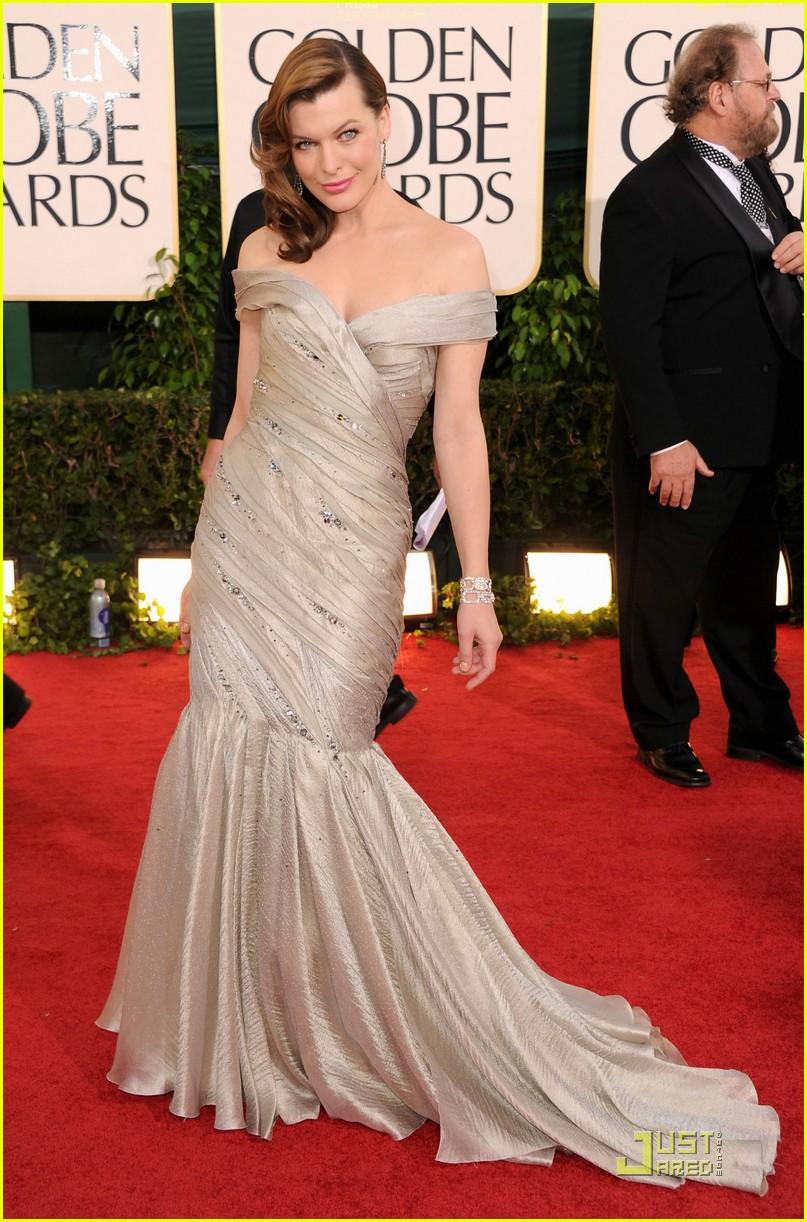 milla jovovich julia stiles golden globes 11