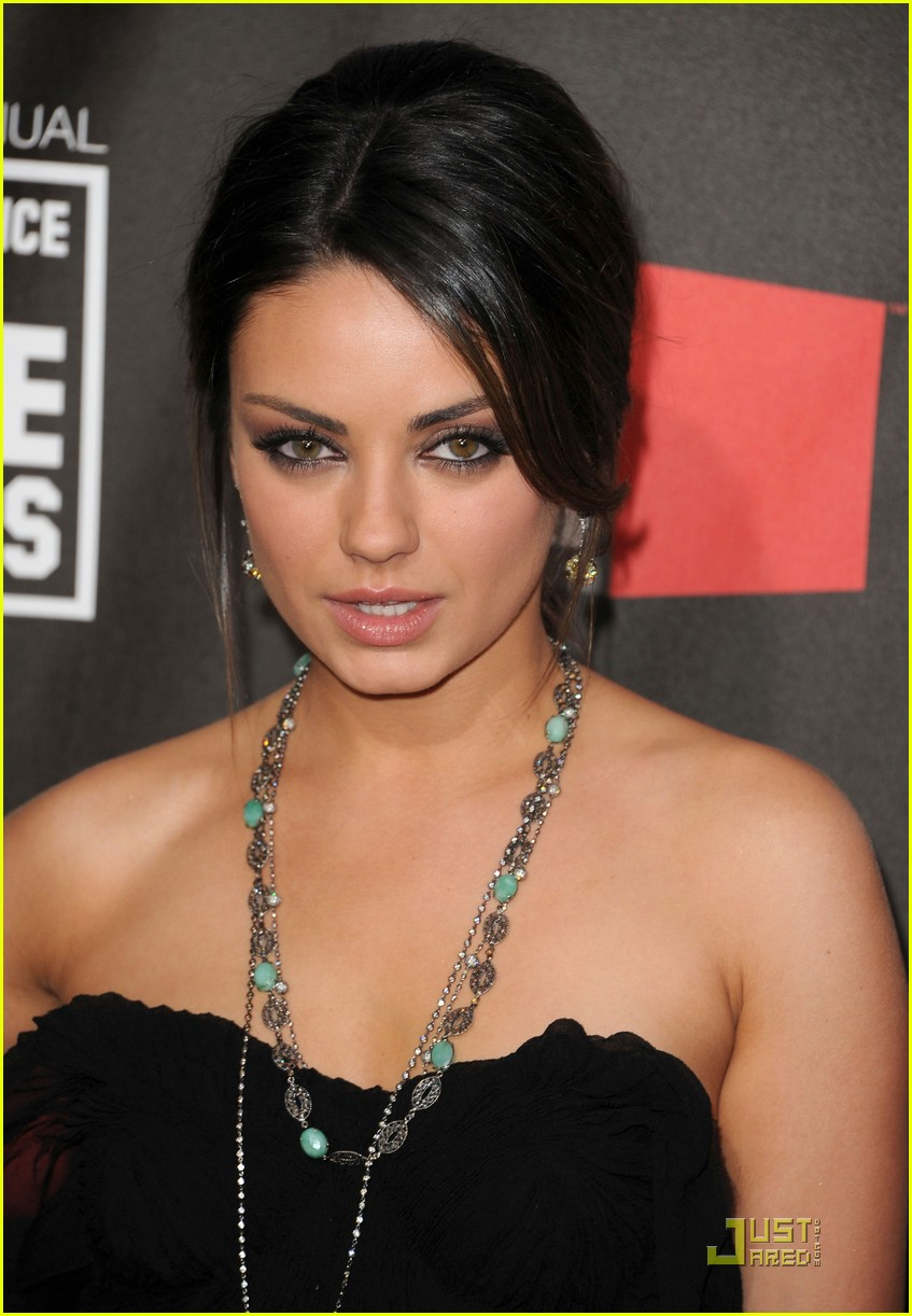 mila kunis critics choice 15