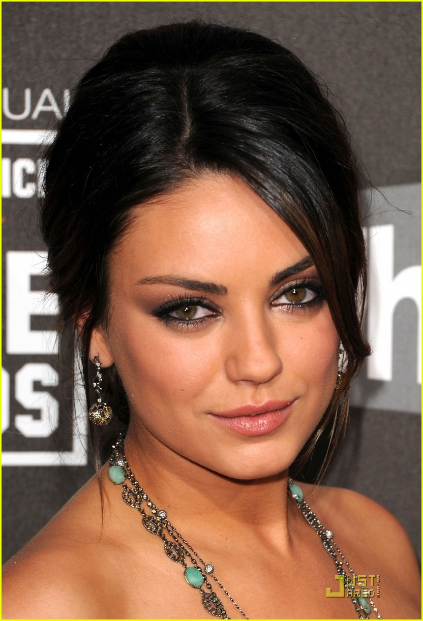 mila kunis critics choice 22