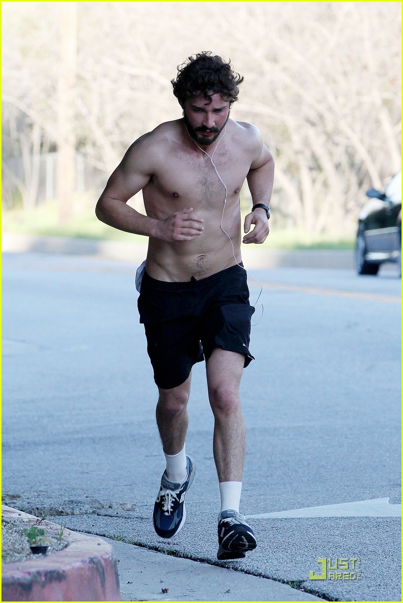shia labeouf shirtless run 02