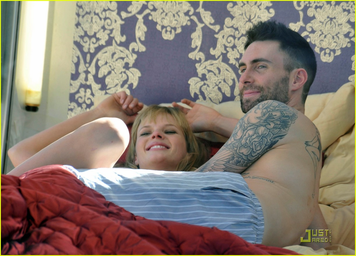 adam levine anne vyalitsyna music video 03