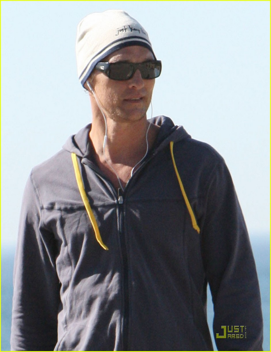matthew mcconaughey shirtless beach run 042514027