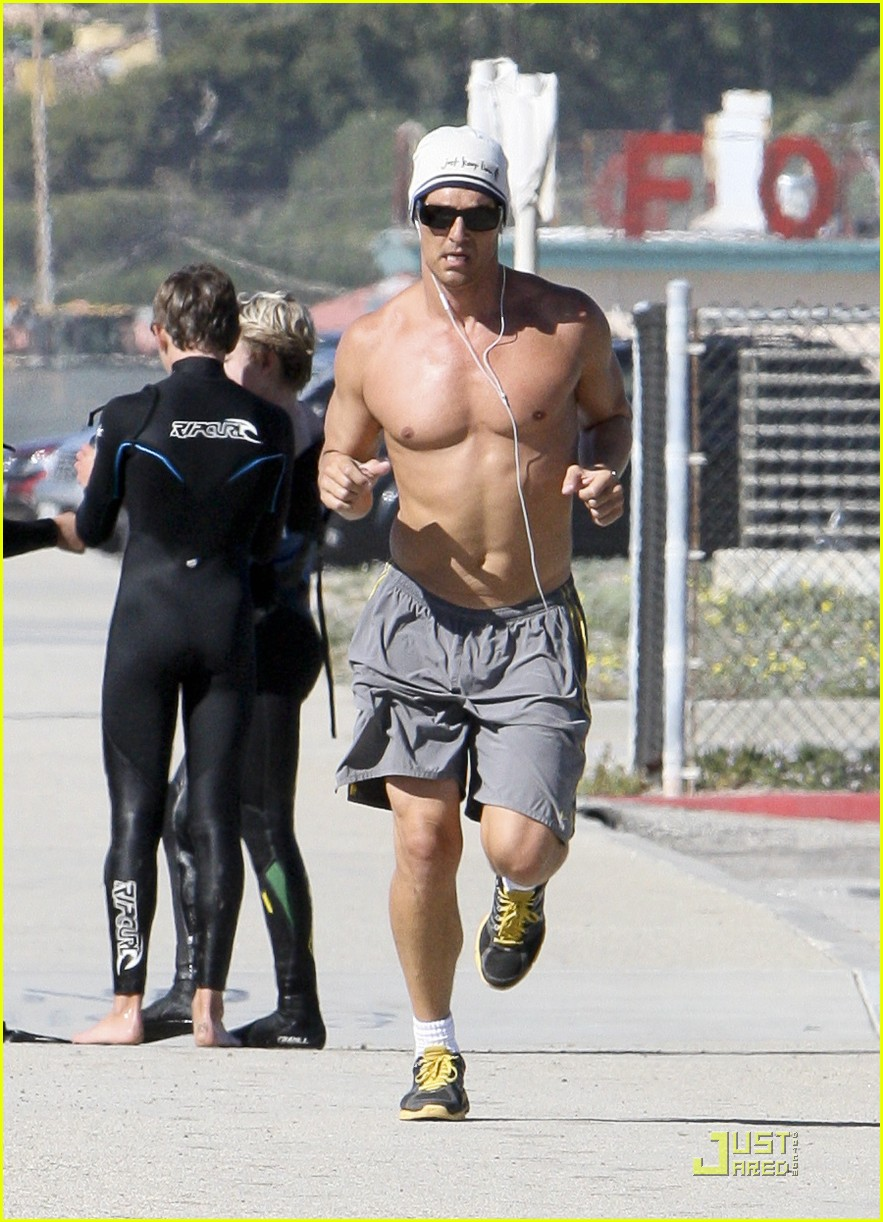 matthew mcconaughey shirtless beach run 09