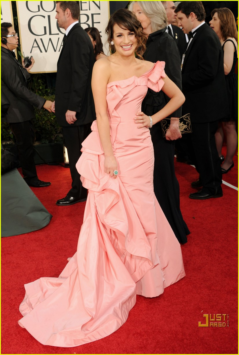 lea michele golden globes red carpet 2011 01