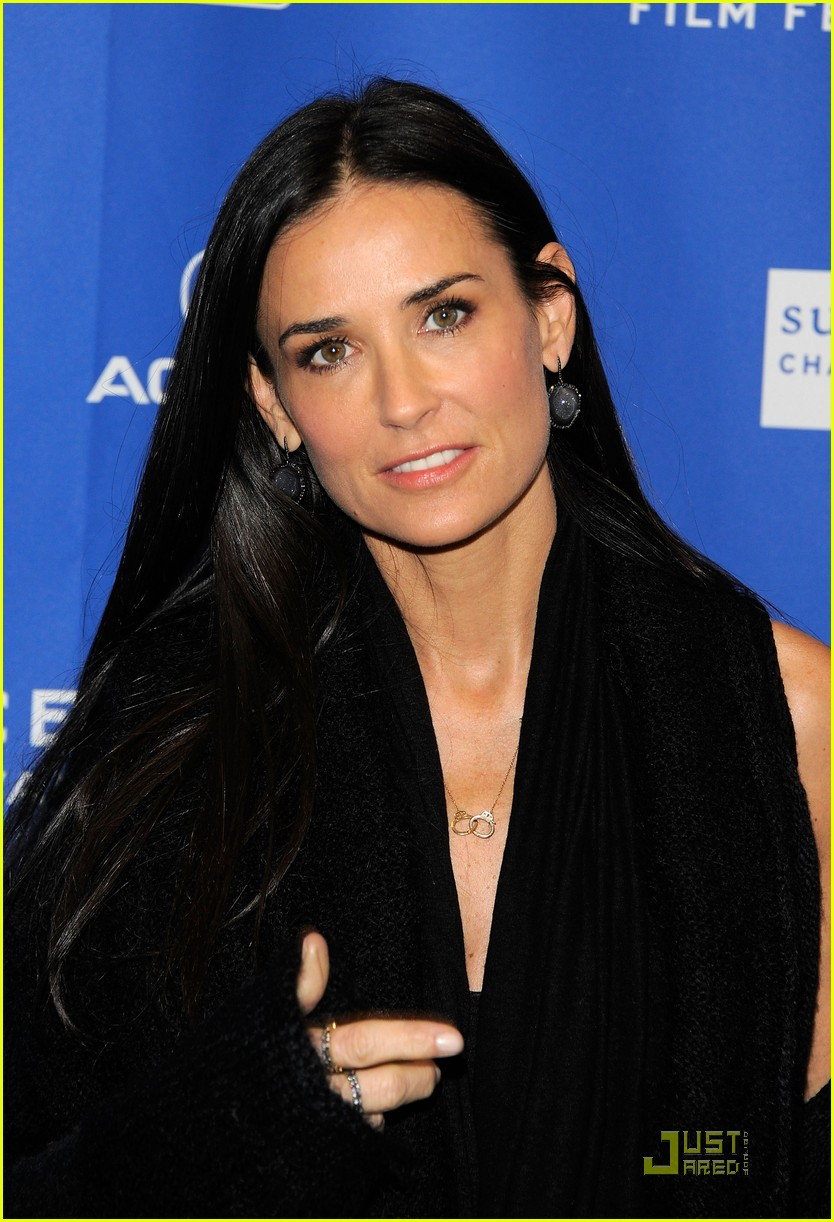 demi moore another happy day premiere 09