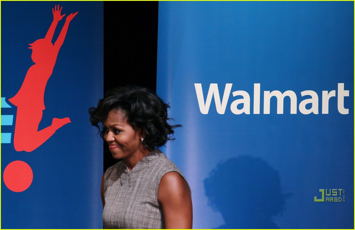 michelle obama china red 08