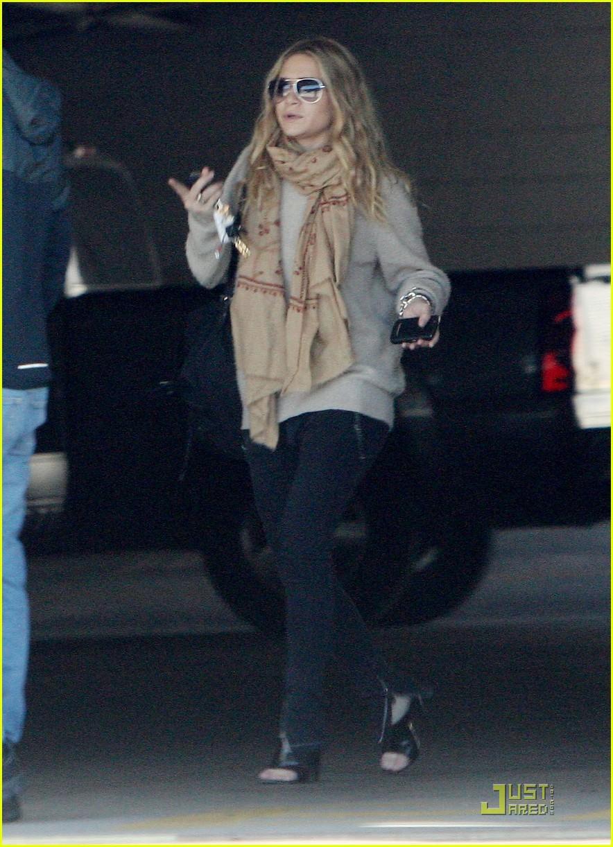 Ashley Olsen Justin Bartha Go Shopping 042508206