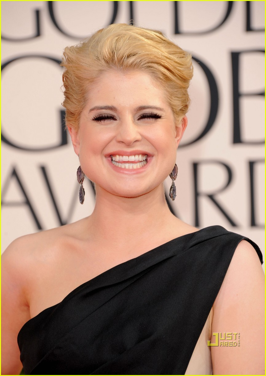 kelly osbourne golden globes red carpet 2011 01