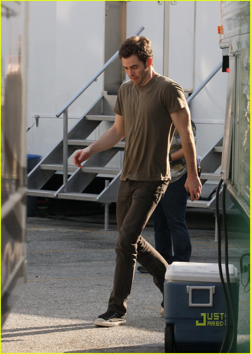chris pine welcome to people brown shirt 02