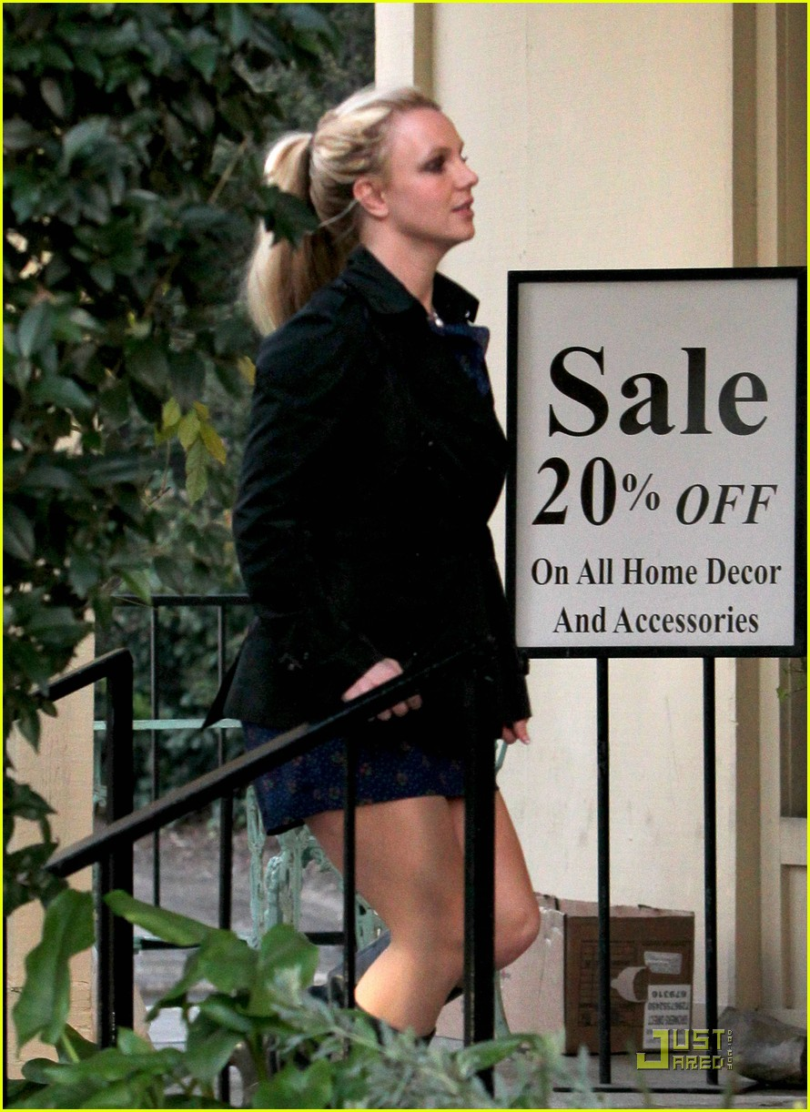 britney spears studio and salon day 04