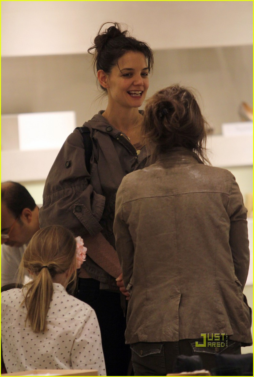 katie holmes suri cruise shoe shopping 05