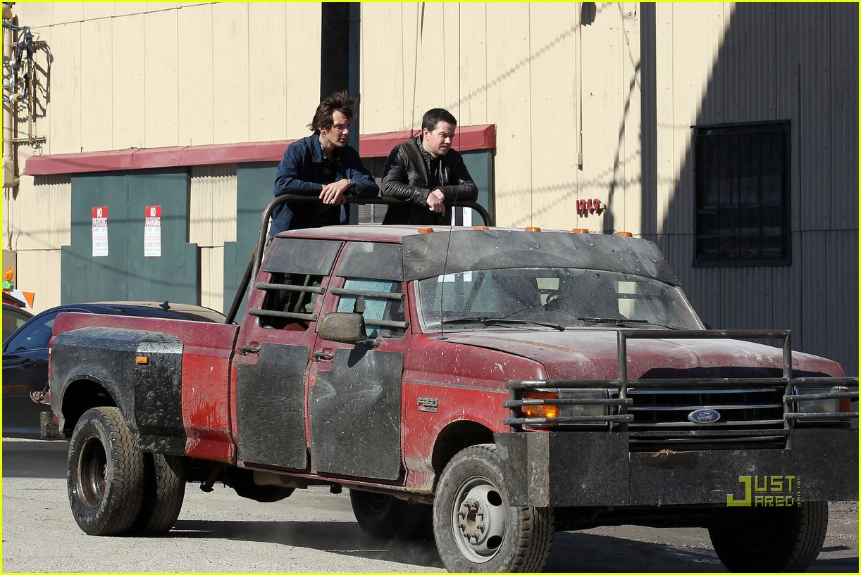 mark wahlberg lukas haas contraband set 07