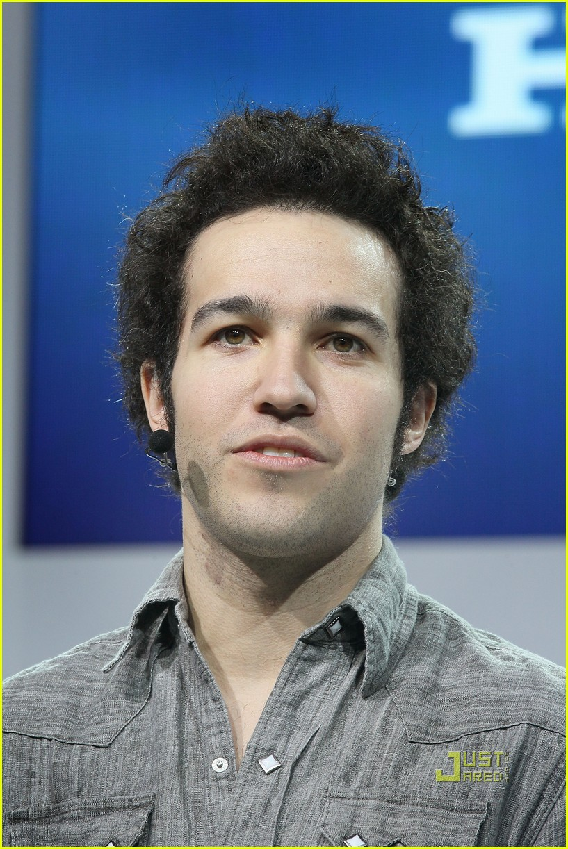 pete wentz short hair 04