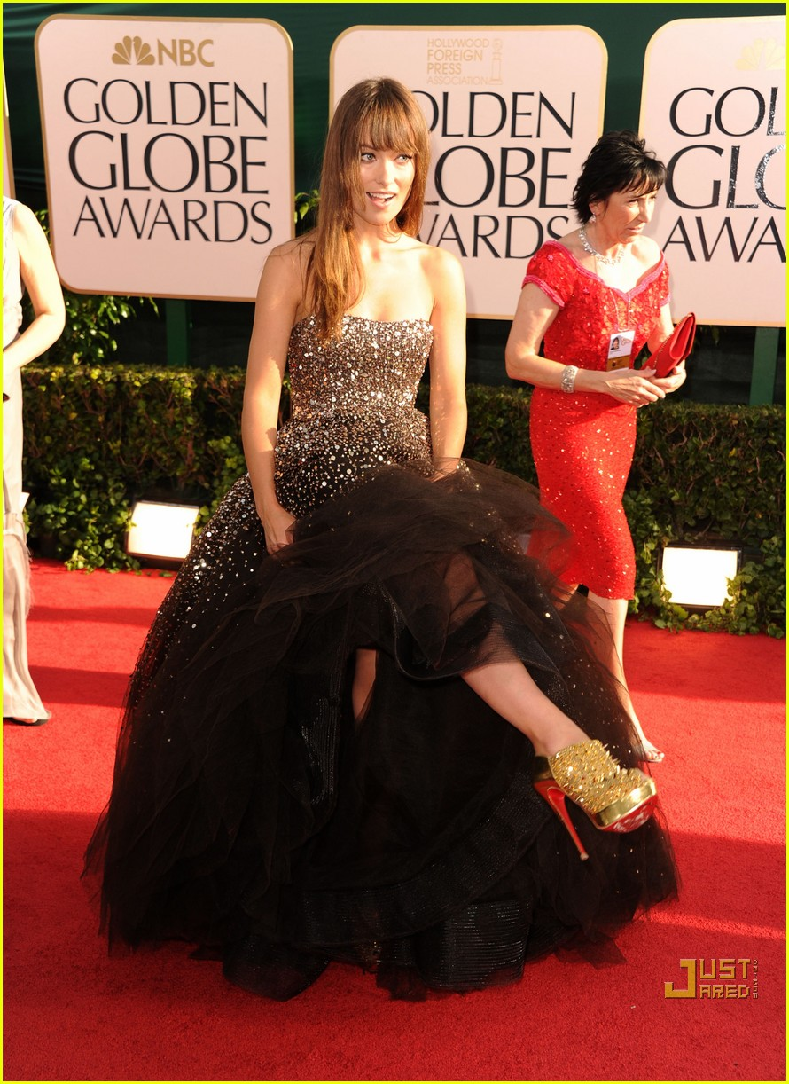 olivia wilde golden globes red carpet 2011 09