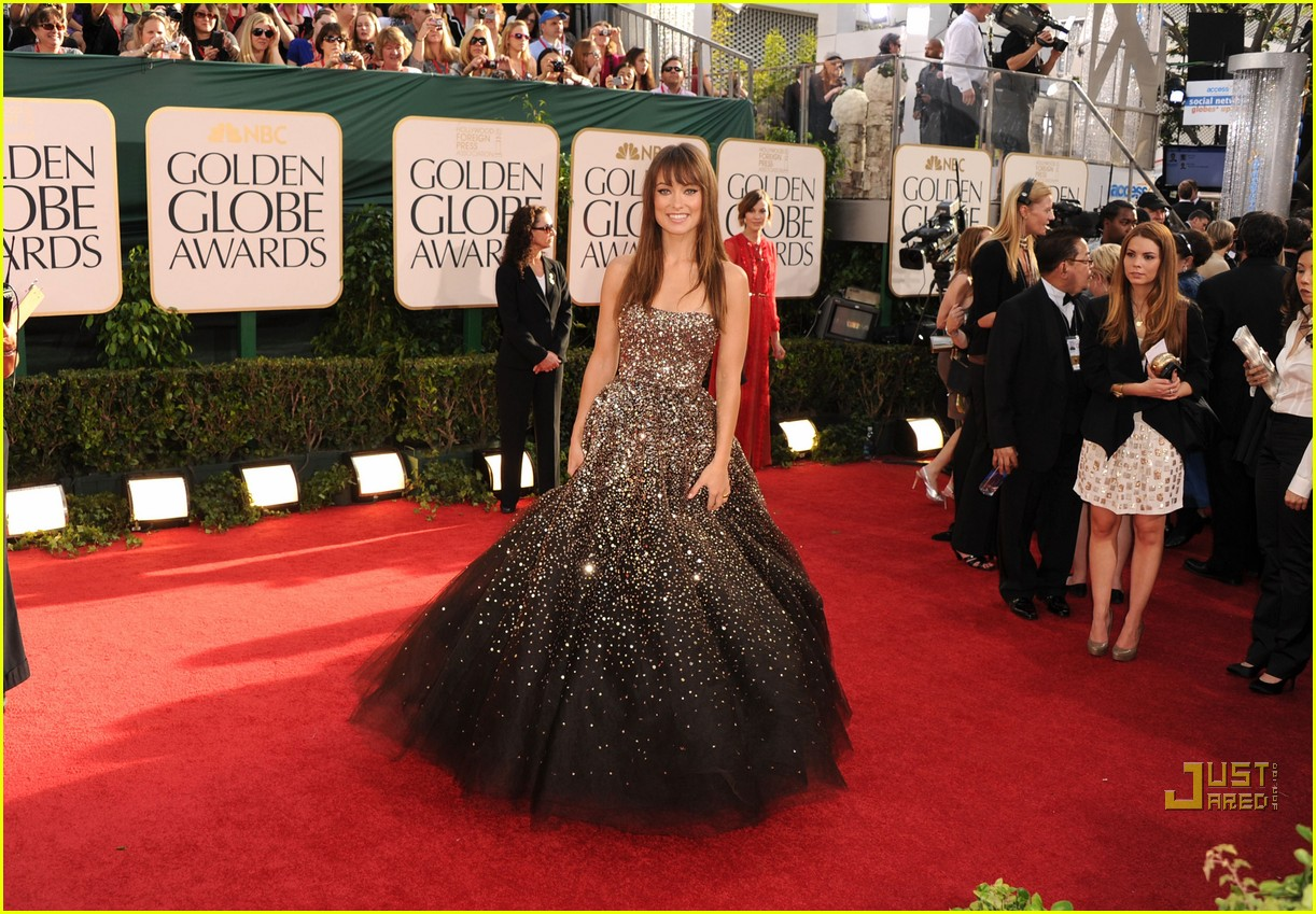 olivia wilde golden globes red carpet 2011 13