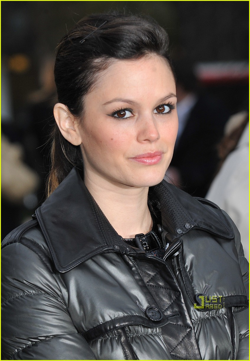 rachel bilson burberry fashion week 17