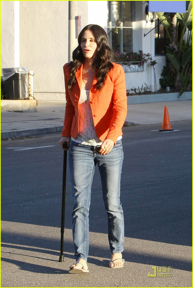 courteney cox cougar with a cane 08