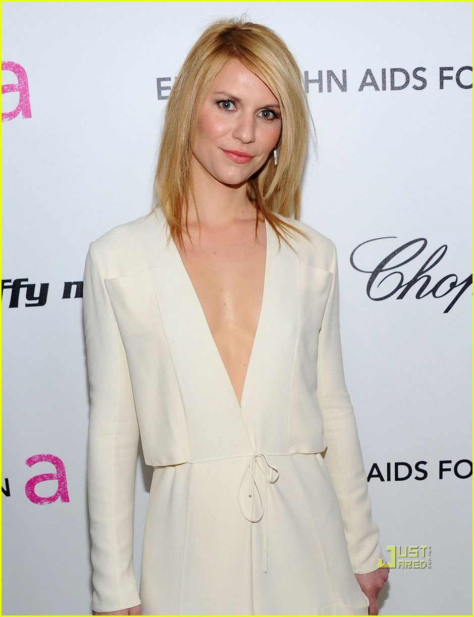 claire danes hugh dancy elton john aids foundation oscar viewing party 04