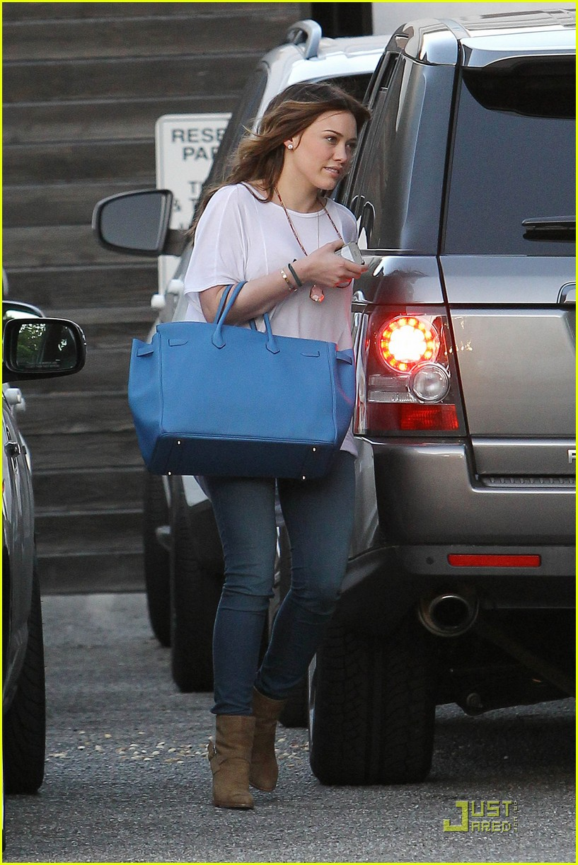hilary duff six hour salon visit 07