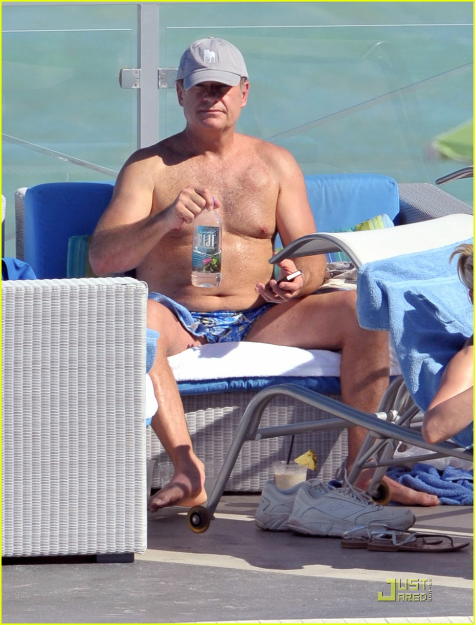 kelsey grammer miami poolside with kayte walsh 02