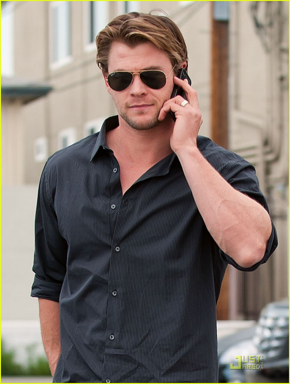 chris liam hemsworth nomad brothers 022522405