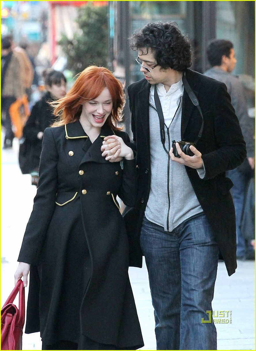 christina hendricks geoffrey arend paris shopping 04