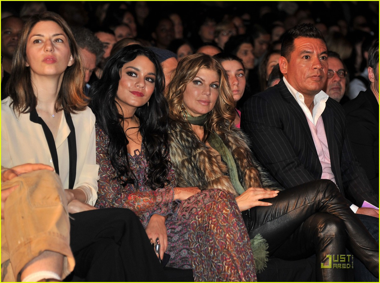 vanessa hudgens fashion week with fergie 10