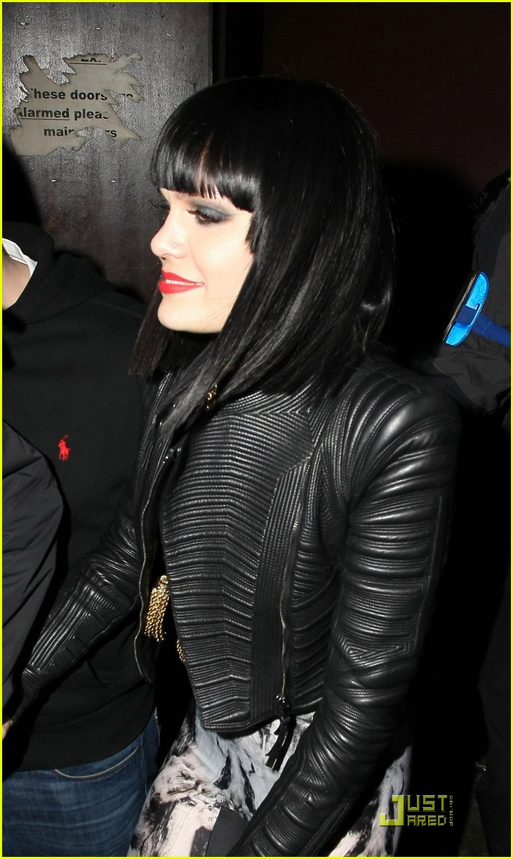 jessie j loves performing in london 022518148