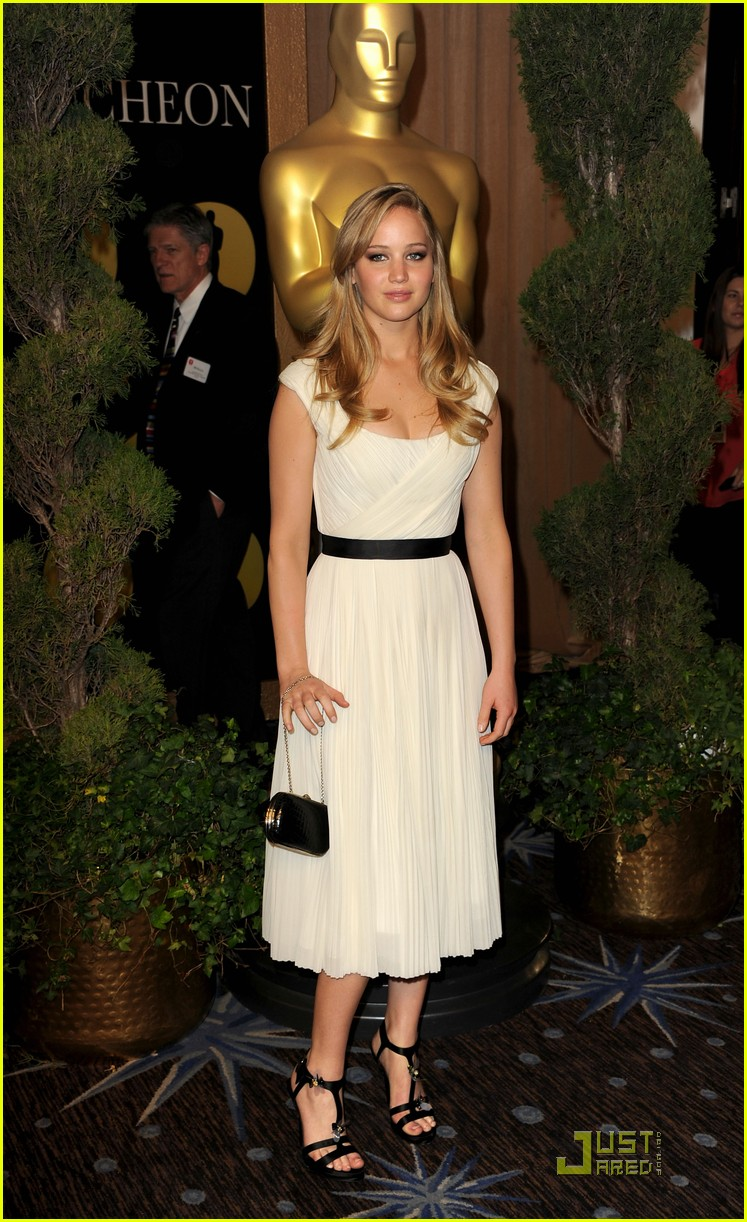 jennifer lawrence oscar luncheon 02