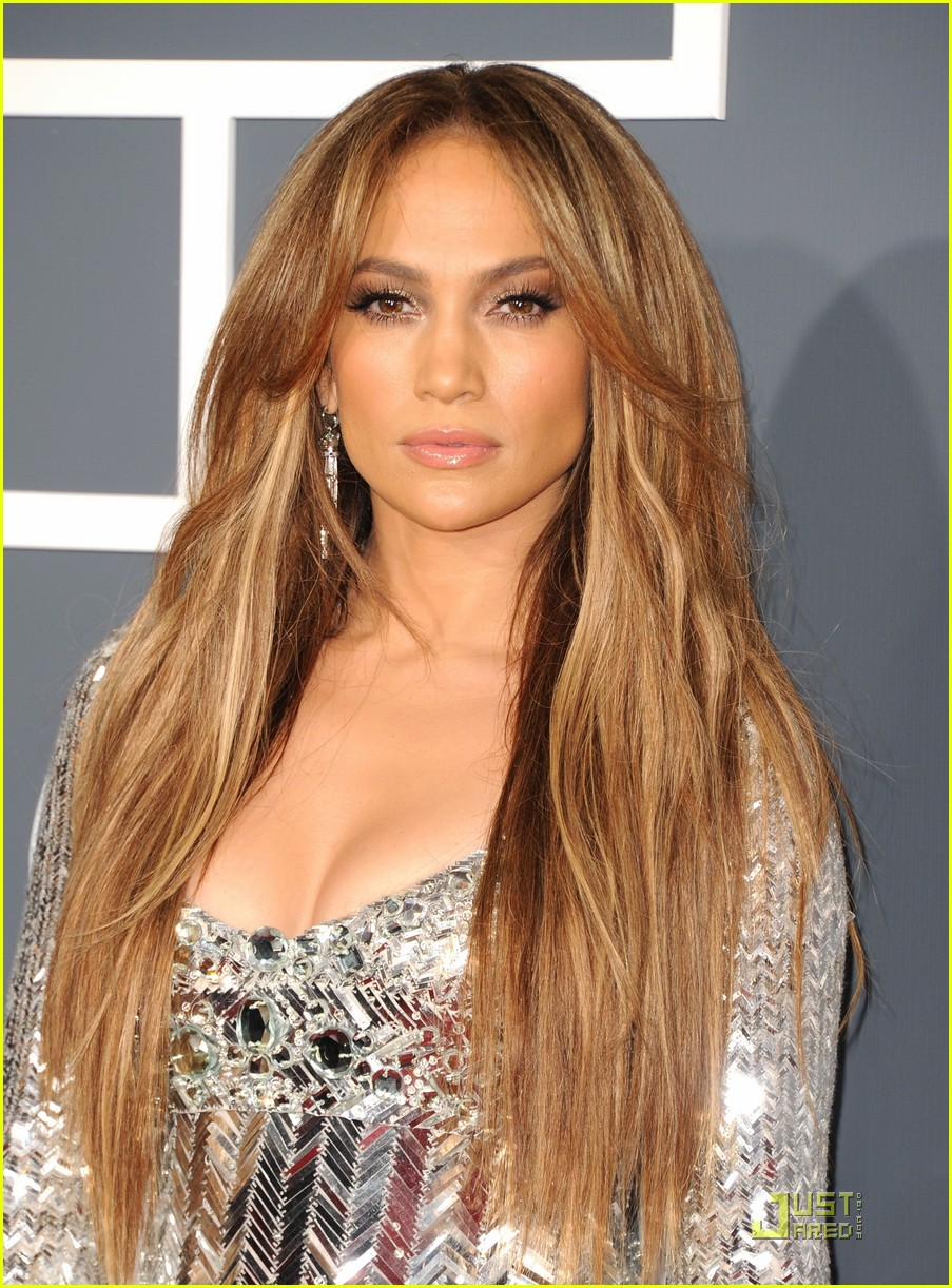 Jennifer Lopez   Grammys 2011 Red Carpet