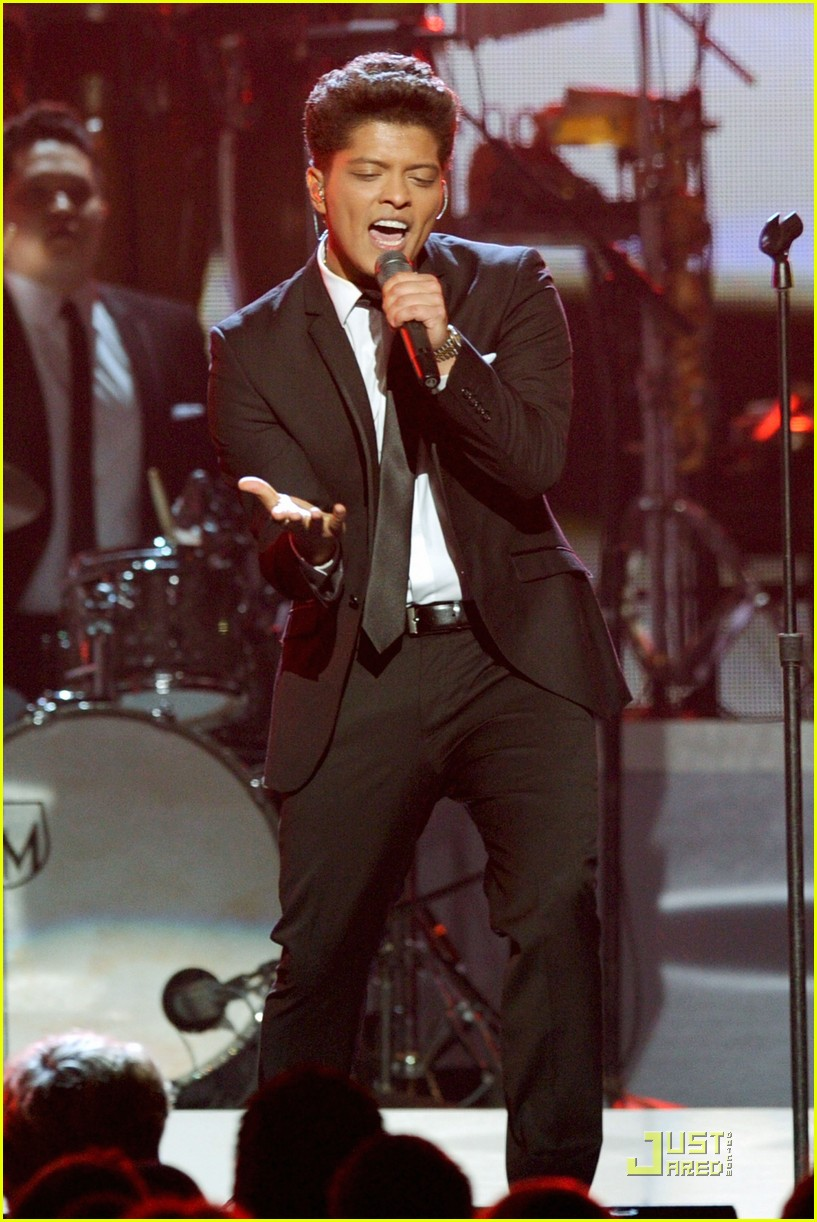 bruno mars grammys 01