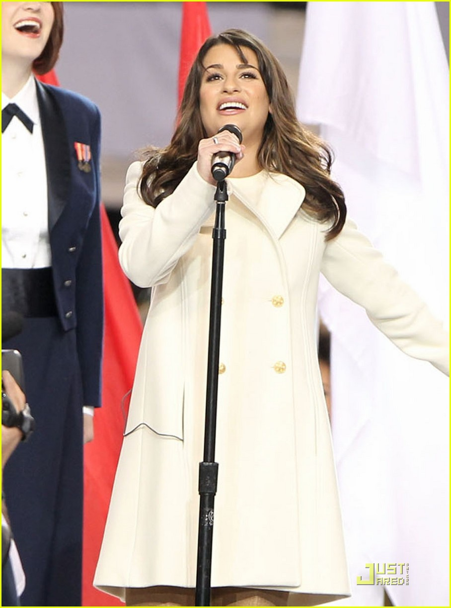 lea michele super bowl performance 02