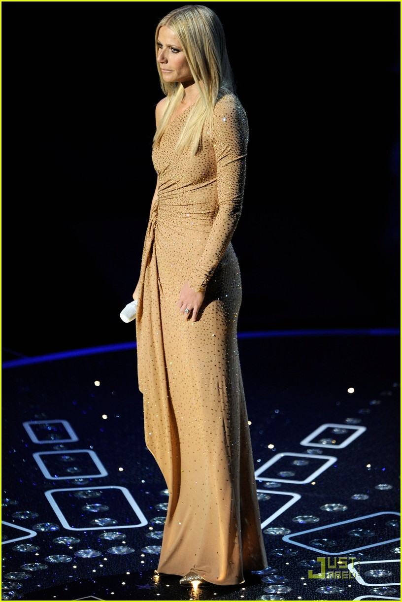 gwyneth paltrow oscars performance 01