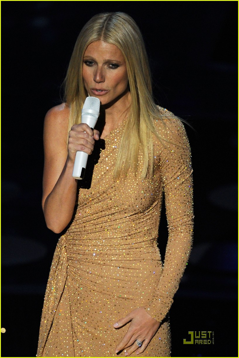 gwyneth paltrow oscars performance 02