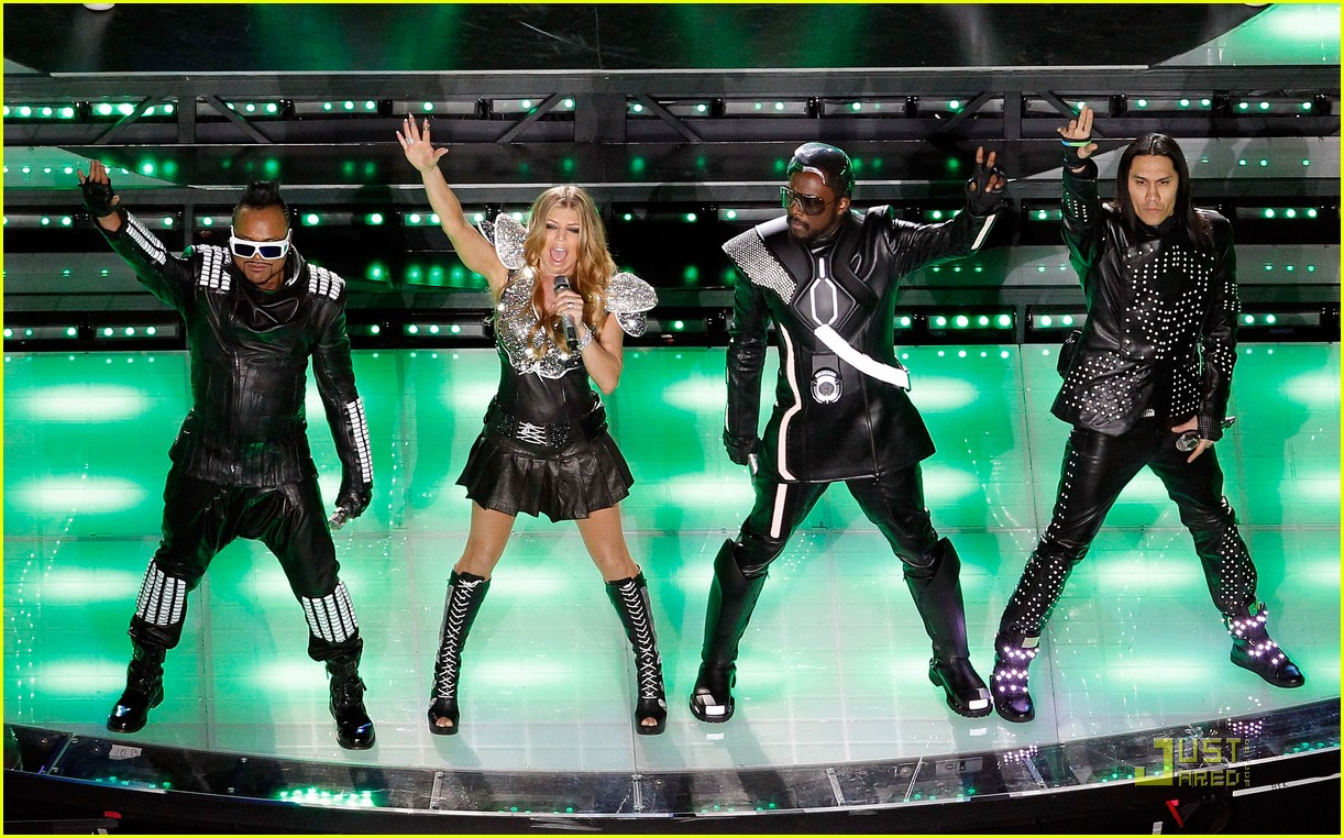 black eyed peas half time show 02