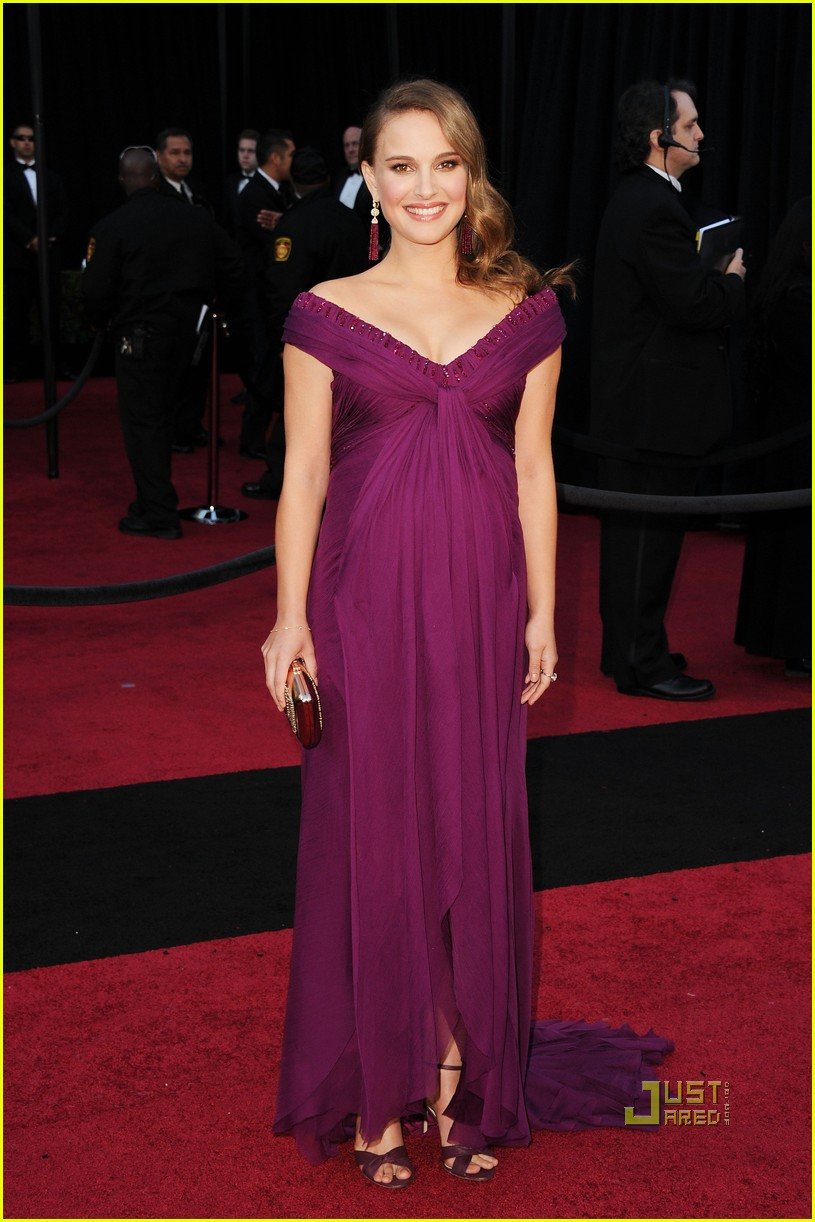 natalie portman oscars 2011 red carpet 03