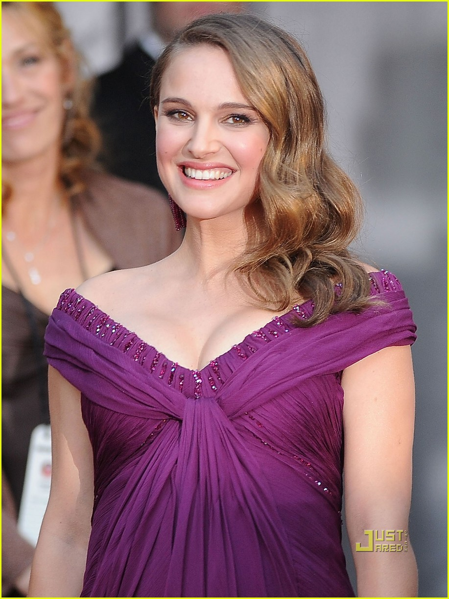 natalie portman oscars 2011 red carpet 04