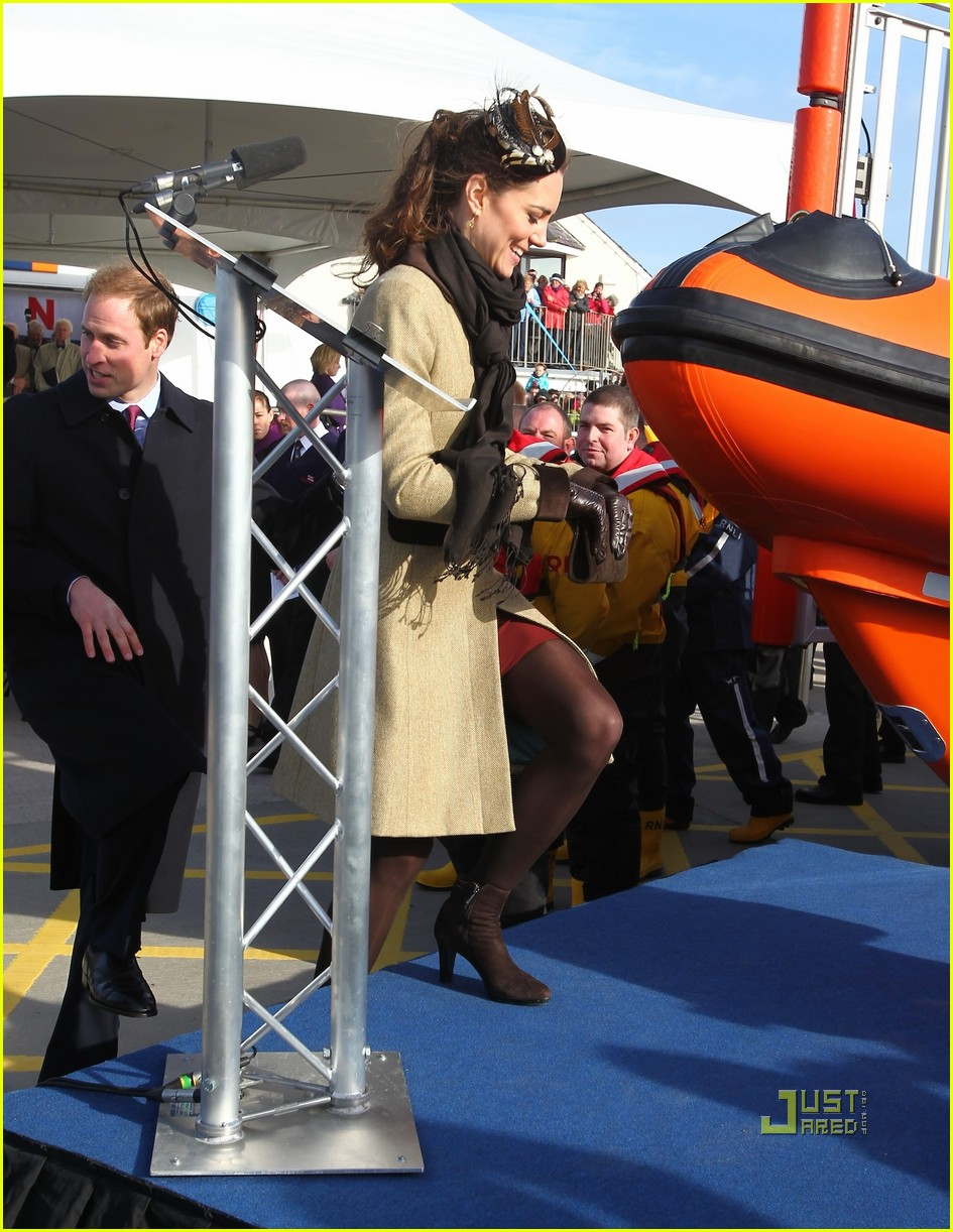 prince william kate middleton lifeboat 112522569