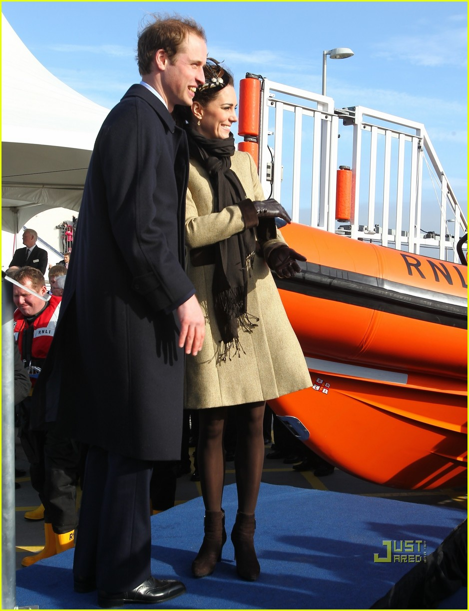 prince william kate middleton lifeboat 22