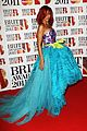 rihanna brits red carpet 08