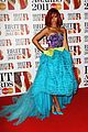 rihanna brits red carpet 11