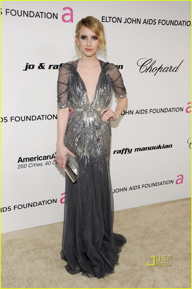 emma roberts elton john aids foundation oscar viewing party 01