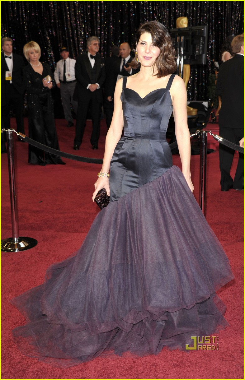 marisa tomei oscars 2011 red carpet 04