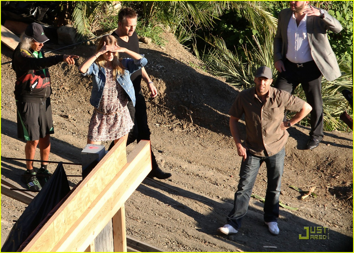 rosie huntington whiteley jason statham house hunting 04