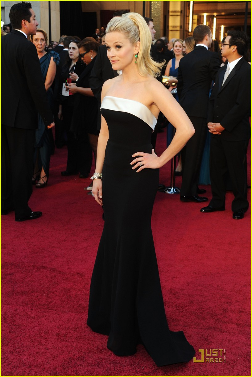 reese witherspoon oscars 2011 052523665
