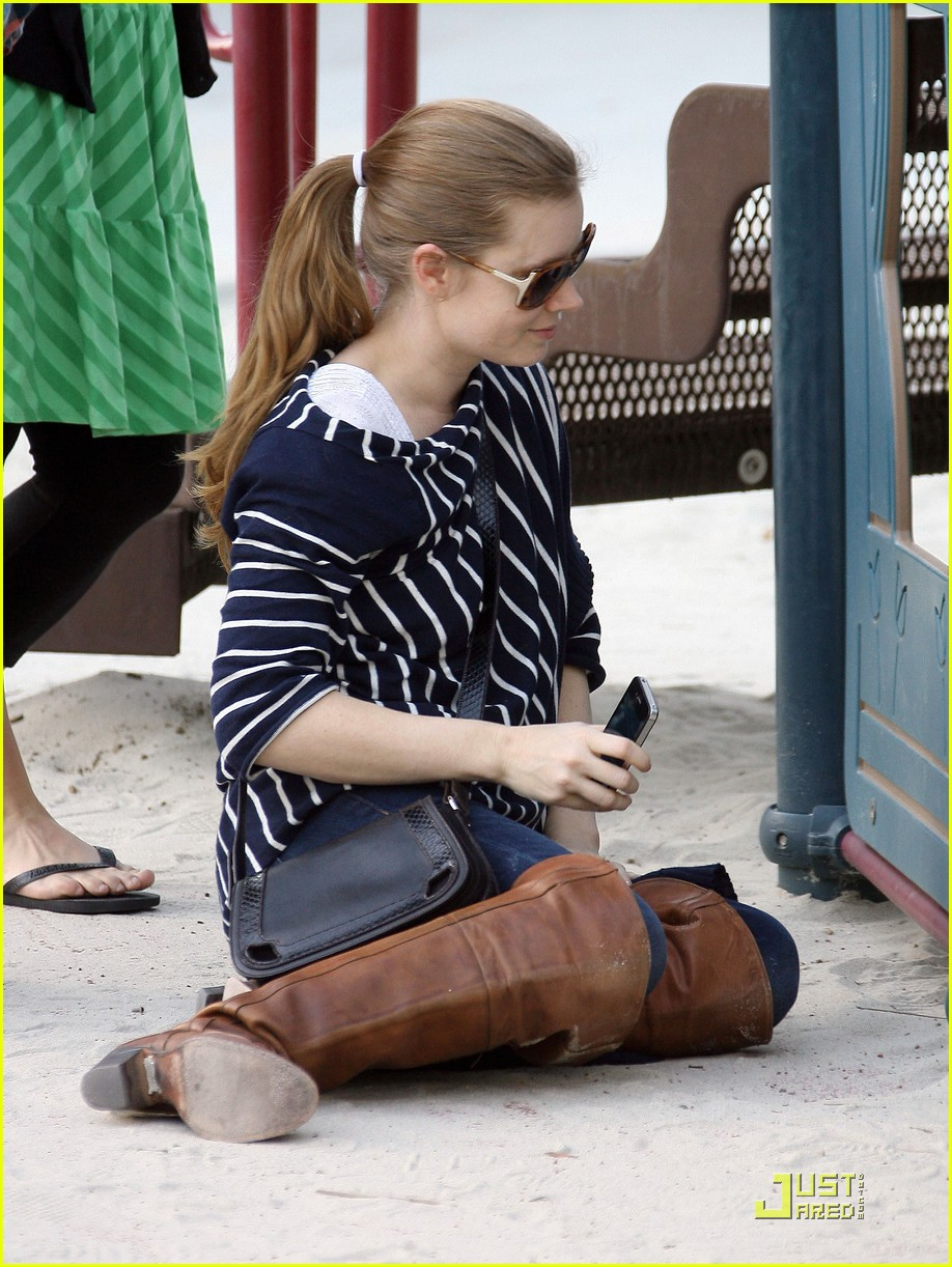 amy adams plays in the park with aviana 17