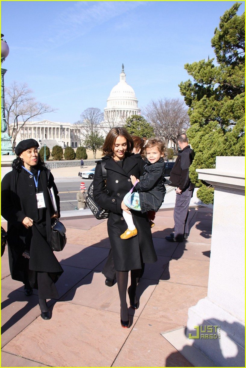 jessica alba library of congress read across america day 03